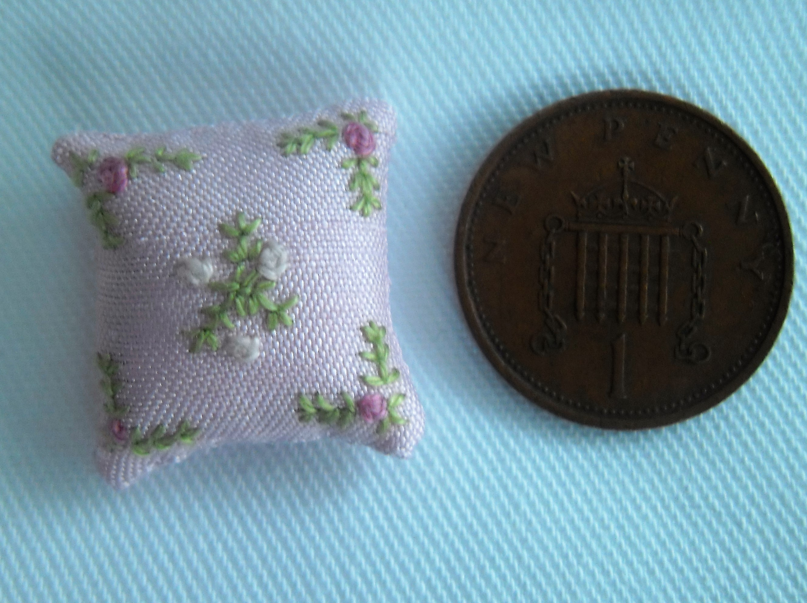 Hand Stitched Dolls House Pale Pink Cushions Flower Design 1/24th scale Pink & White Flowers
